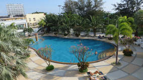la piscine de votre studio - location ViewTalay - Pattaya Thaïlande